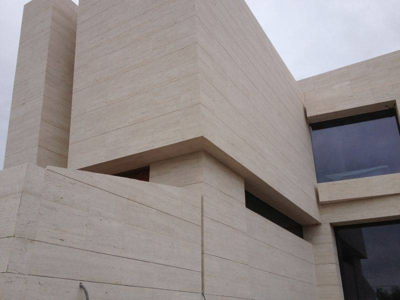 Fachadas de piedra natural y crema marfil pulycort - Fachada de piedra natural ...