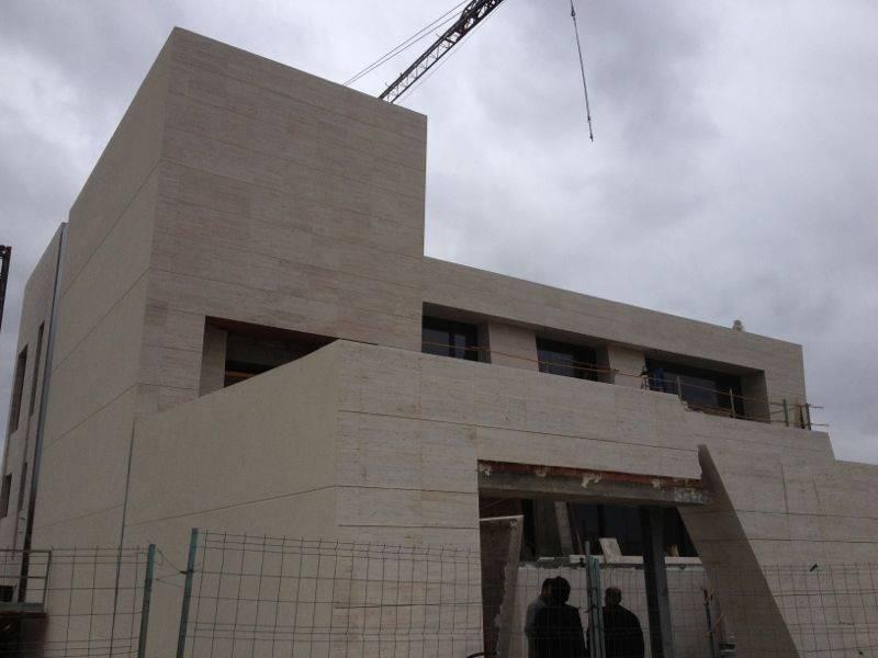 Fachadas de piedra natural y crema marfil pulycort - Piedra caliza para fachadas ...