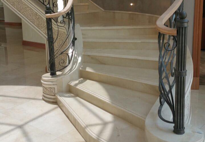 Escaleras de crema marfil m rmoles pulycort - Marmol para escaleras ...