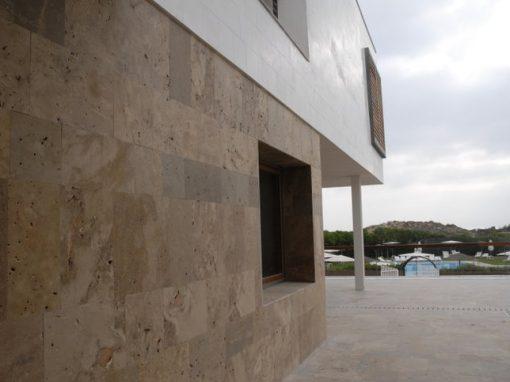 fachada de travertino moncada del parador el saler