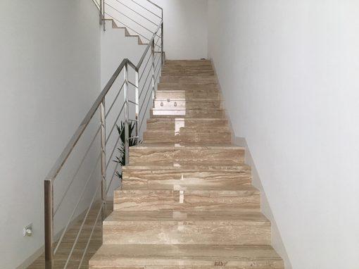Escalera de mármol daino real