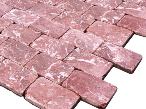Mosaico de mármol rojo