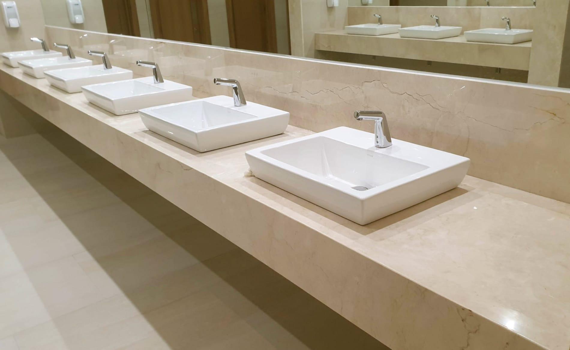 baño crema marfil del hotel barceló